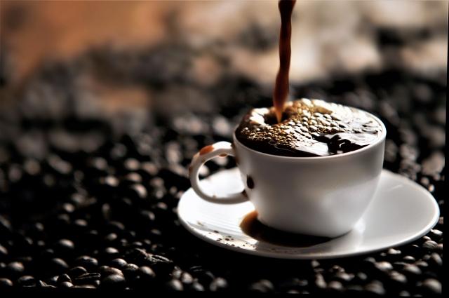 ザワつく金曜日 11万 コーヒー 店 どこ